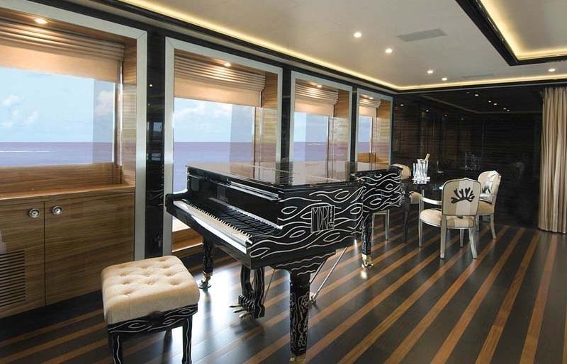 Alfa Nero grand piano