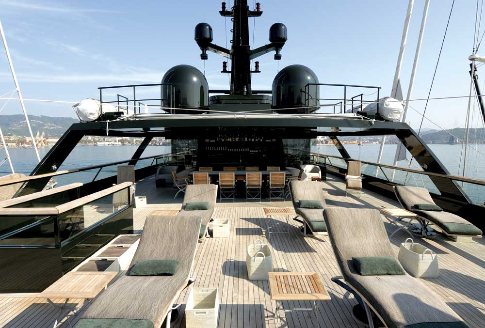 Inside Scoop Giorgio Armani S Mysterious Dark Superyacht