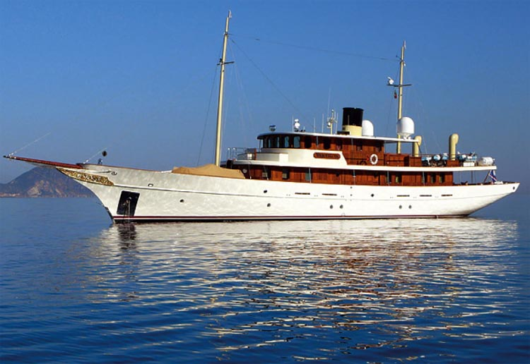 Johnny depp's Luxury yacht AMPHITRITE (ex Vajoliroja) is available to charter