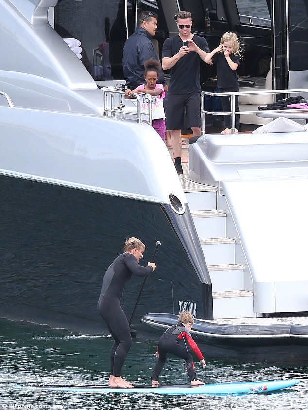 Brad Pitt And Angelina Jolie Cruise Sydney On Speedy Yacht