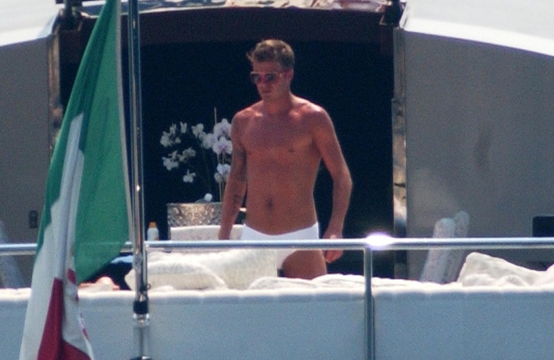 The Beckham S Borrow Roberto Cavalli S Superyacht