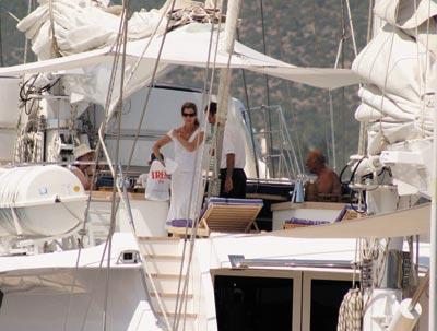 Tom Hanks Rents World S Largest Sailing Yacht