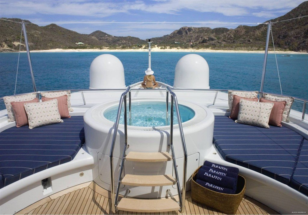 Jacuzzi on board Paraffin