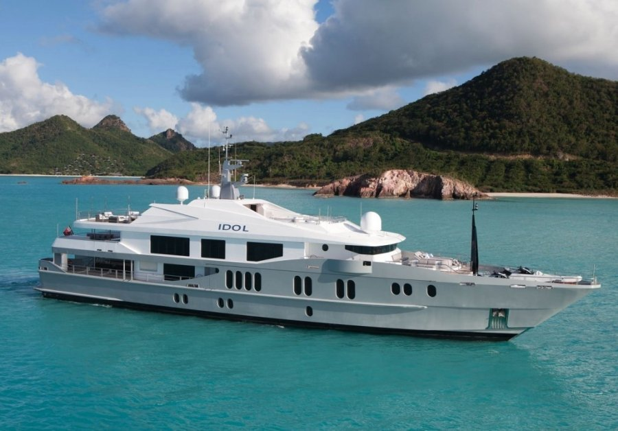 Superyacht Idol