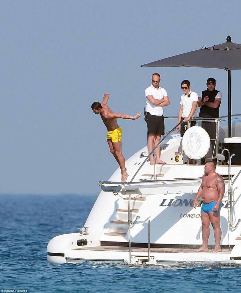 Cristiano Ronaldo aboard Lionchase