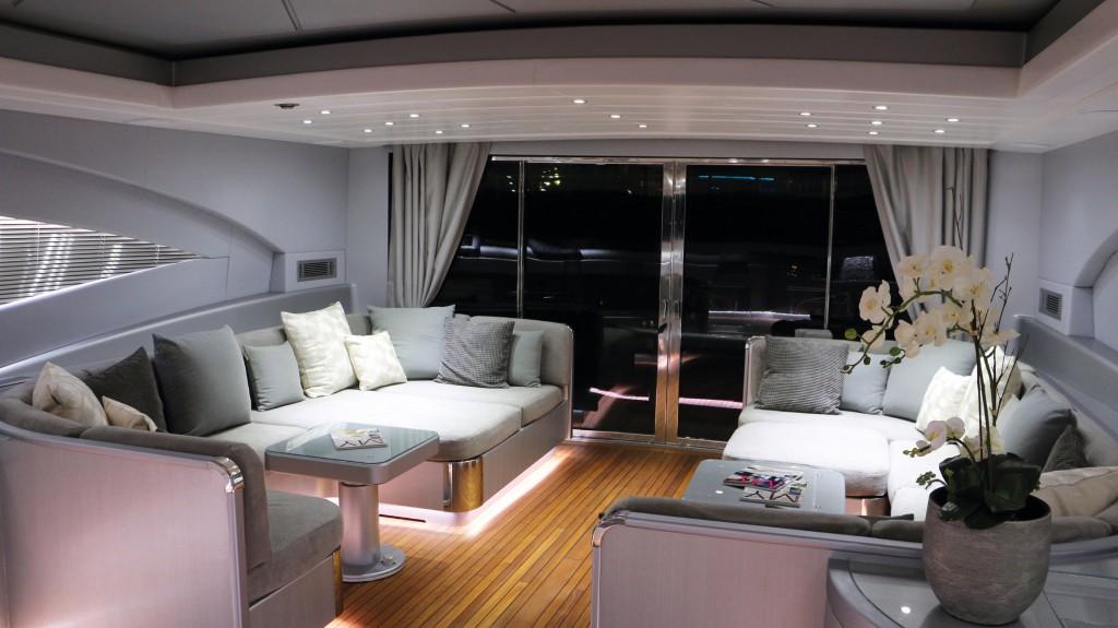 leo dicaprio rented superyacht j.f.f.'s salon