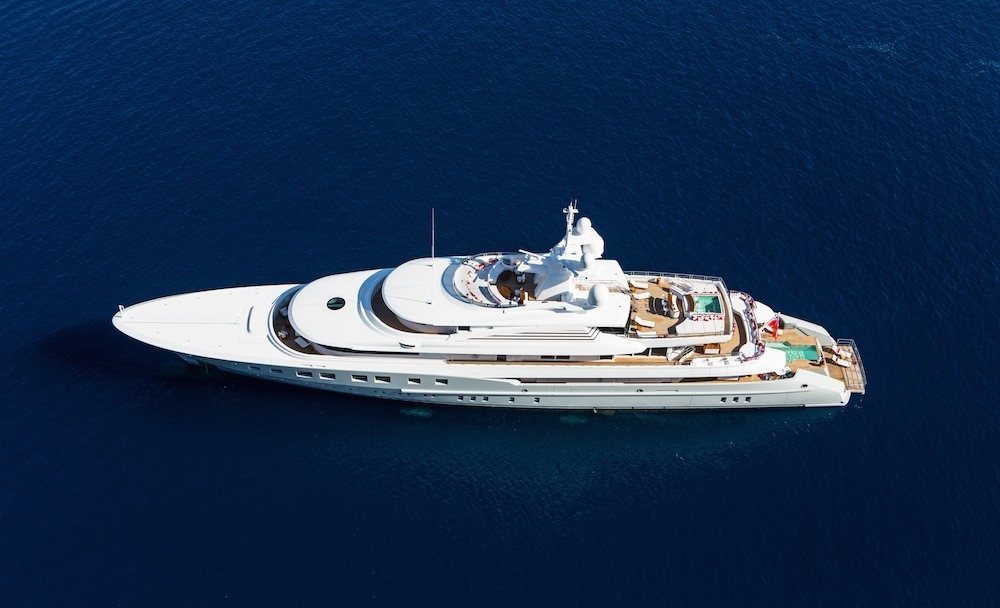 superyacht Axioma rented by kendall jenner, gigi hadid and friends in Monaco