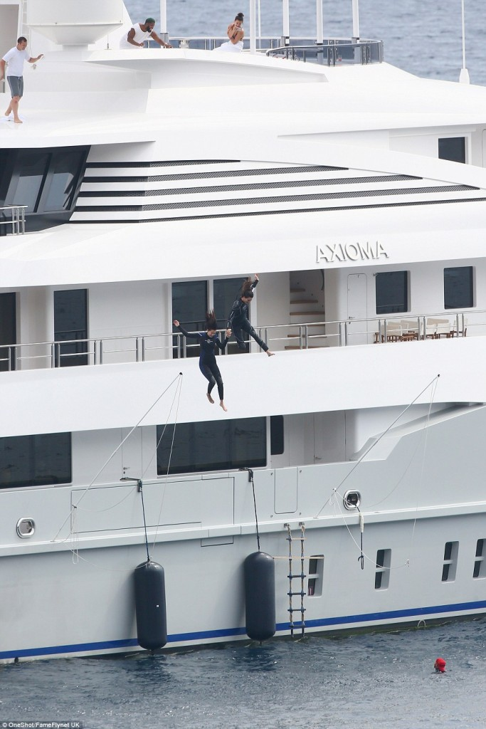 kendall jenner and bella hadid seen diving off huge luxury yacht axioma