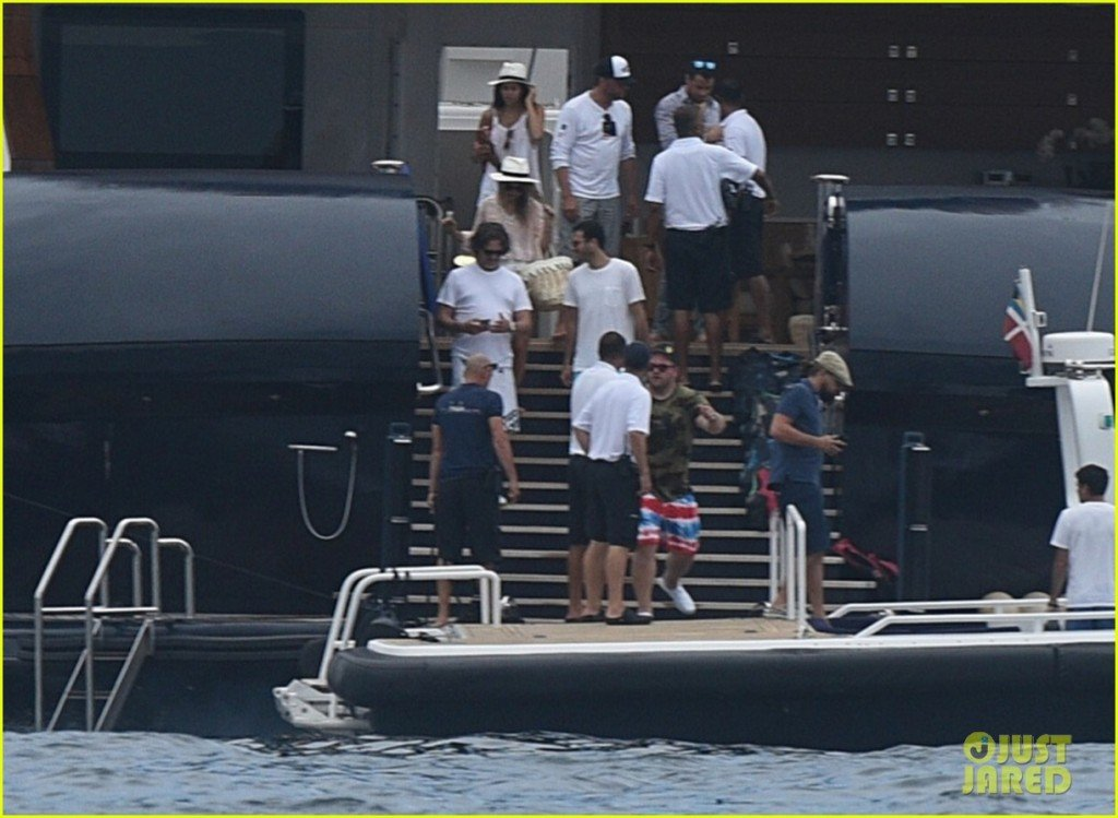leonardo dicaprio leaves james packer's superyacht arctic p