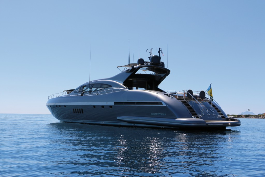 leo dicaprio rents superyacht j.f.f. in st tropez  with girlfriend model kelly rohrbach