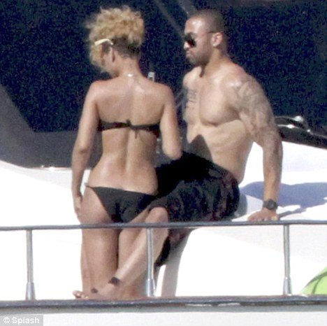 rihanna and matt kemp on luxury yacht in mexico