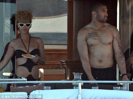 rihanna and matt kemp eat on luxury yacht in mexico