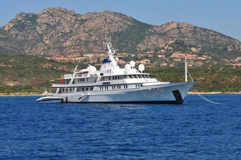bono's superyacht called 'kingdom come'