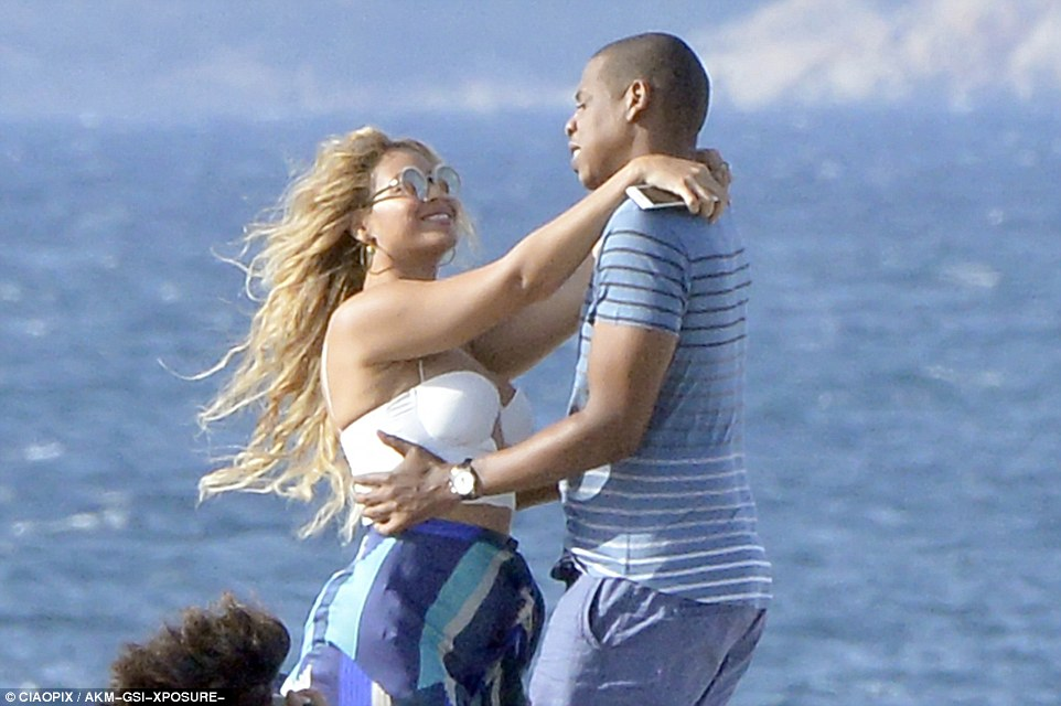 beyonce and jay z loved up in Sardinia on Superyacht Galactica Star